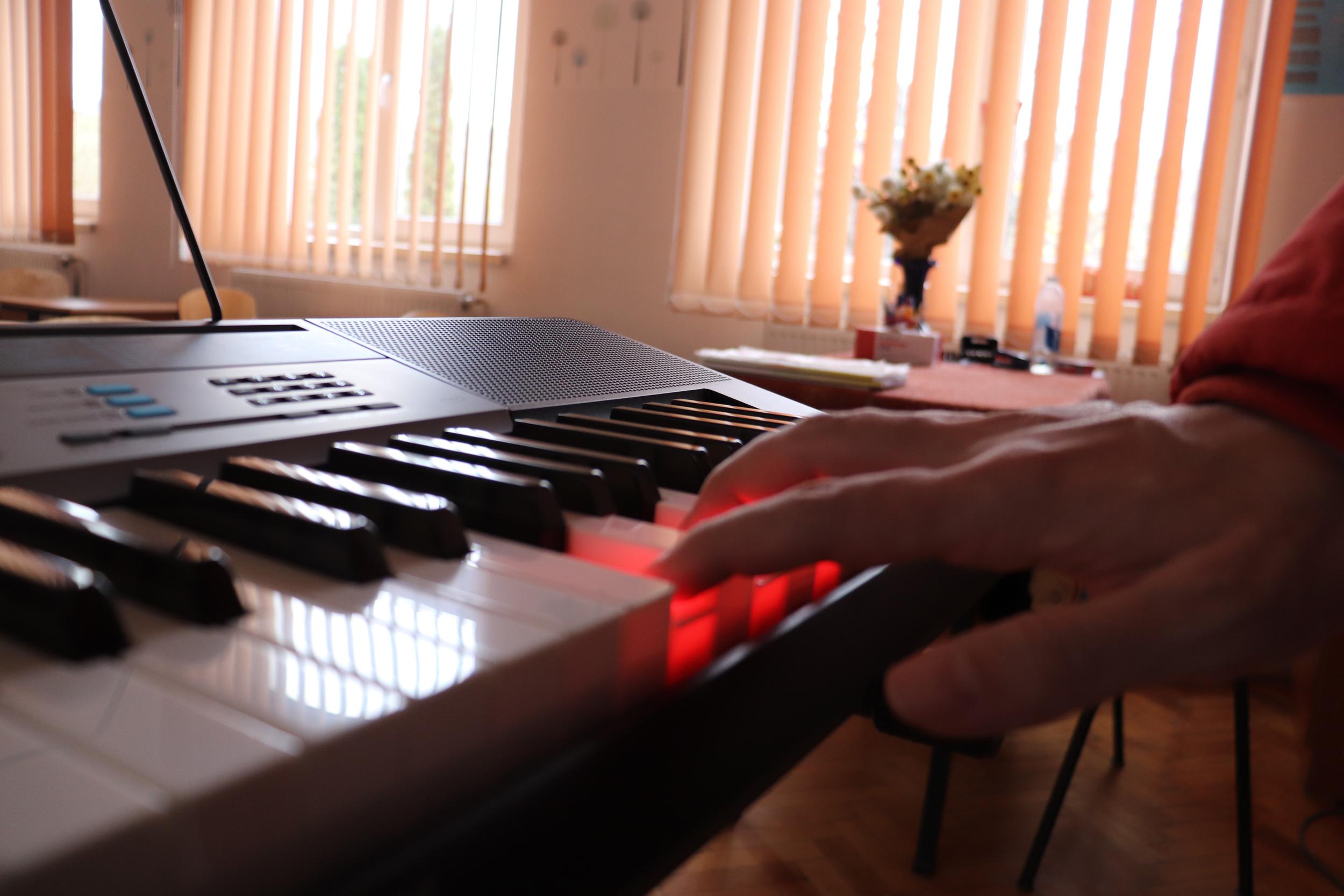 """""""Laboratorul de Muzică"""" susține educația muzicală"""